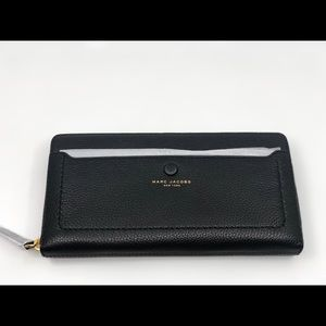 Marc Jacobs Large Zip Around Wallet Black